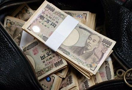 お金が欲しいならお金をくれる人(お金持ち)と接点を持つべし